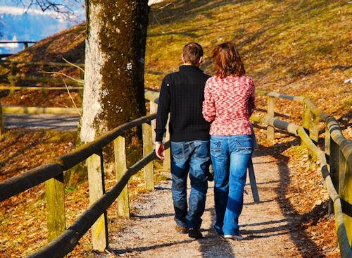 couple 20walking 20away